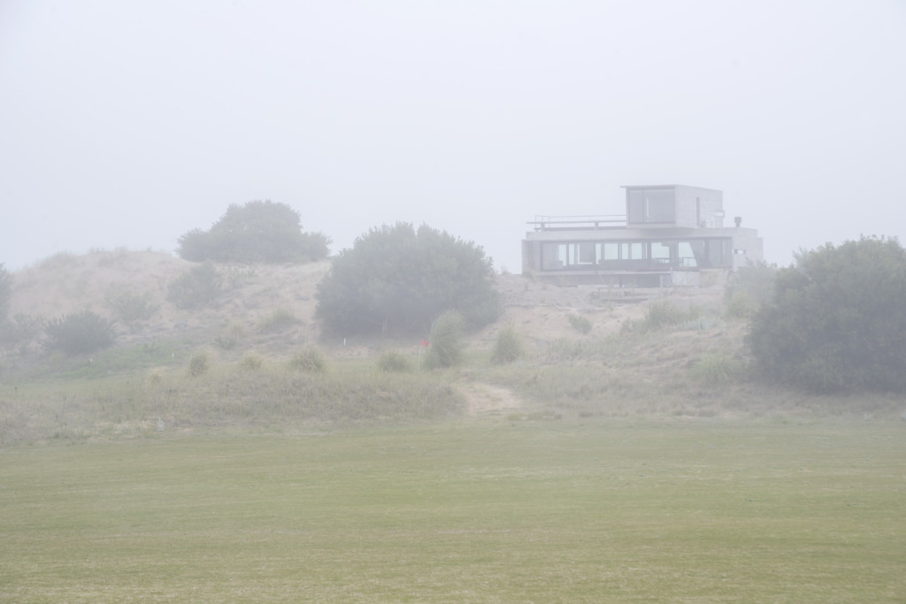 Golf House_View_1
