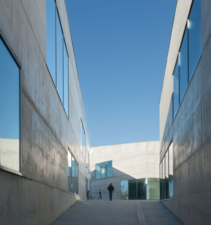Health Sciences Faculty of San Jorge University_Aussenansicht_10