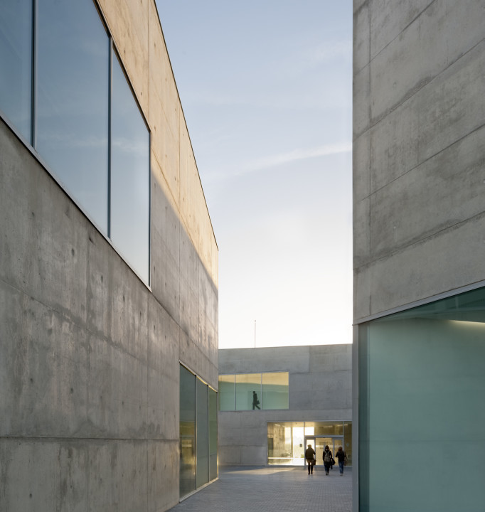 Health Sciences Faculty of San Jorge University_Aussenansicht_7