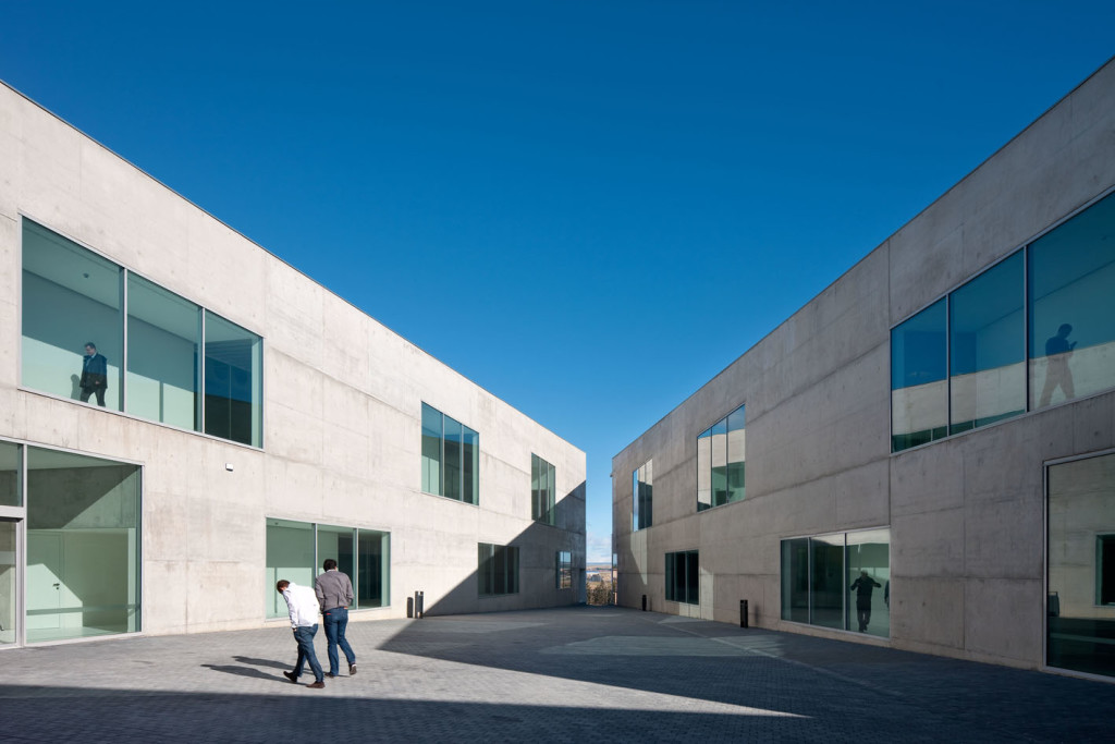 Health Sciences Faculty of San Jorge University_Aussenansicht_9