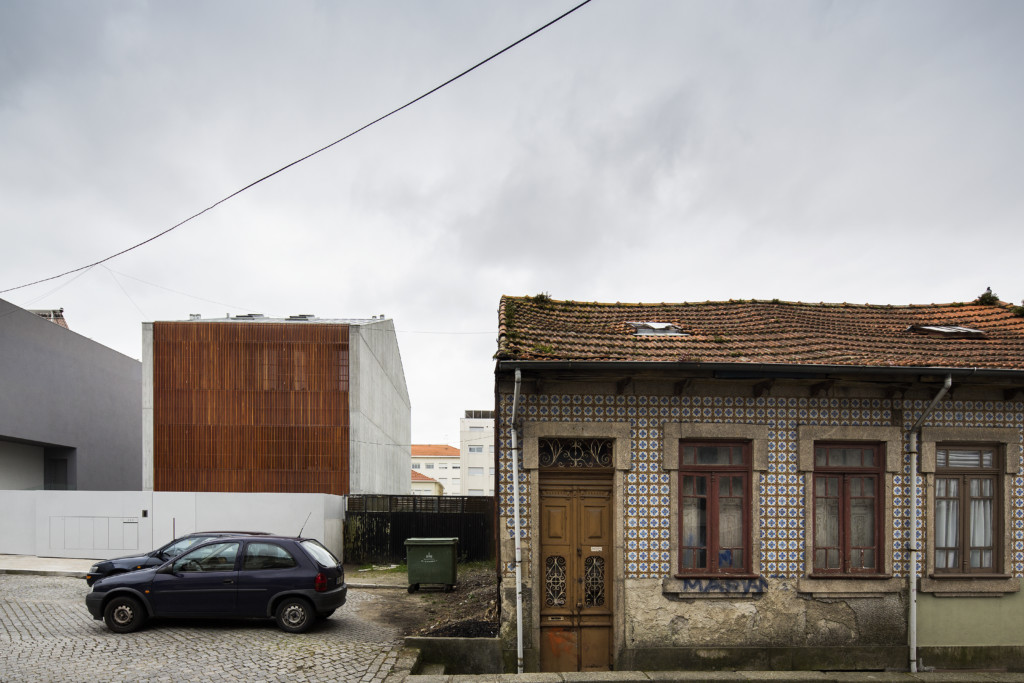 House in Bonfim_Exterior View_10