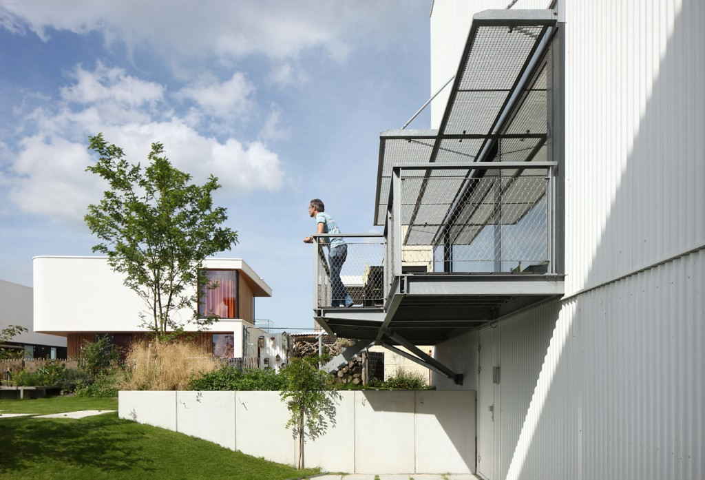 House with 11 Views_View_5